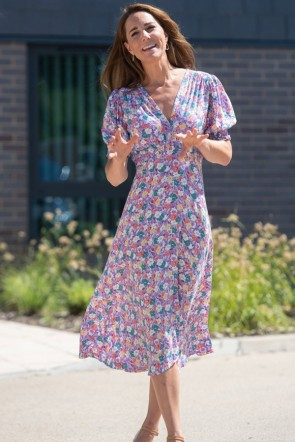 Kate Middleton Floral Midi Dress Visiting Each Hospice TCDTB9001