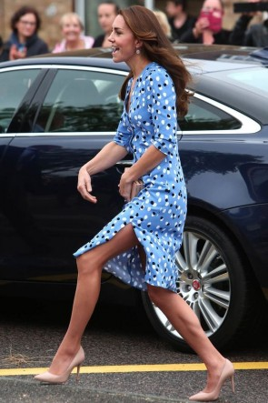 Kate Middleton Polka-dot Blue Buttoned Shirt Dress For School Visit