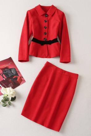 ケイトミドルトンレッドスーツコートワーク衣装