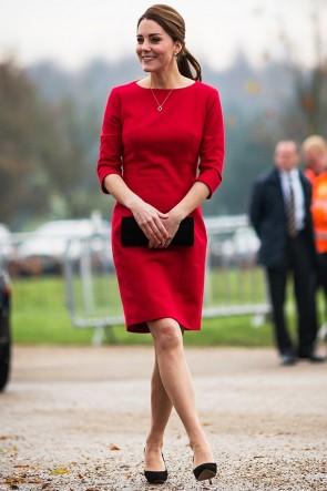 ケイトミドルトンのエレガントな赤いショートパーティーカクテルドレス
