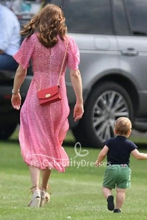Kate Middleton プリントピンクドレスルイポロマッチ