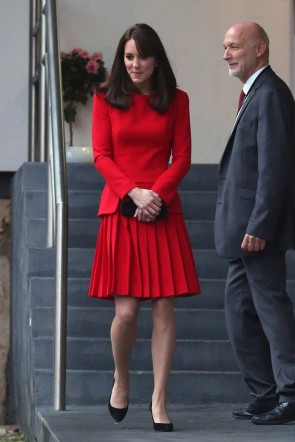Kate Middleton Red A-line Cocktail Dress With Long Sleeves