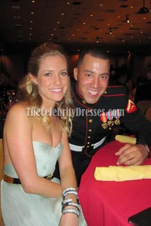 Kristin Cavallariライトブルーウエディングドレス海兵隊ボール