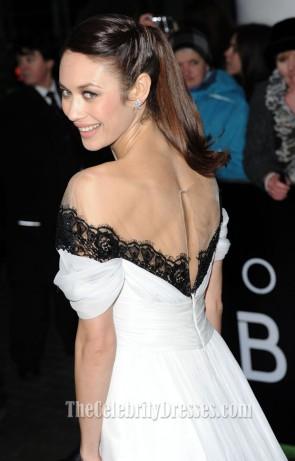 Olga Kurylenko オルガキュリレンコ ホワイトオフショルダーイブニングウエディングドレス「忘却」ロンドン初演