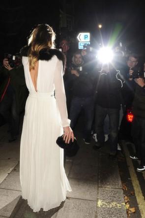 Rosie Huntington-WhiteleyセクシーなホワイトシフォンウエディングドレスフォーマルドレスMoet&Chandon Etoile Awards