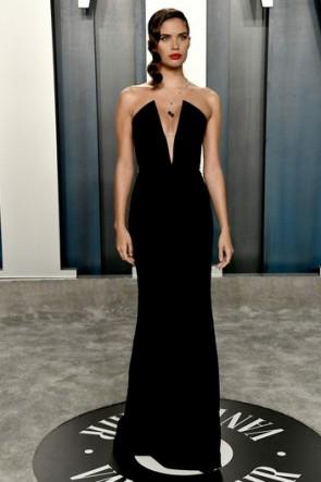 Sara Sampaio Black Strapless Formal Dress 2020 Vanity Fair Oscar Party