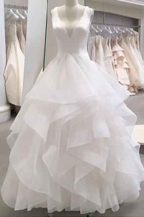 White Deep V-neck Ruffled Wedding Dress