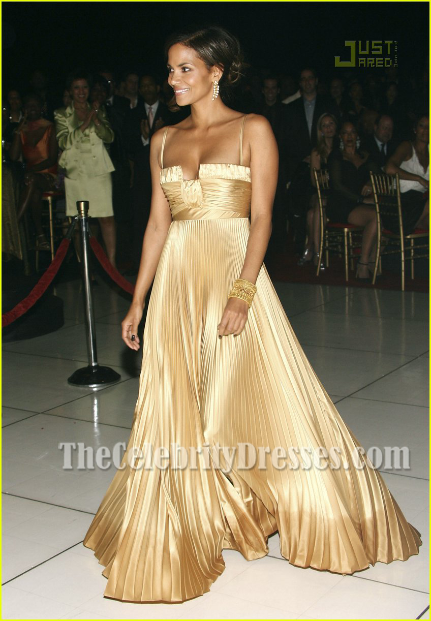 Halle Berry Classic Gold Pleated Evening Dress Ebony pre-Oscar ...