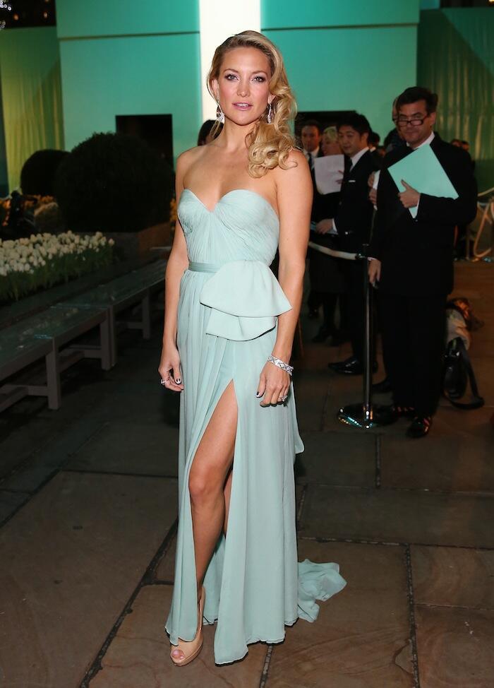 Kate Hudson trägerlosen Abschlussball-Abend-Kleider Tiffany u. Co ...