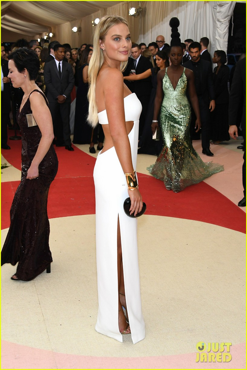 91695b9411e9 Margot Robbie White Cut-Out Evening Dress Met Gala 2016 -  TheCelebrityDresses