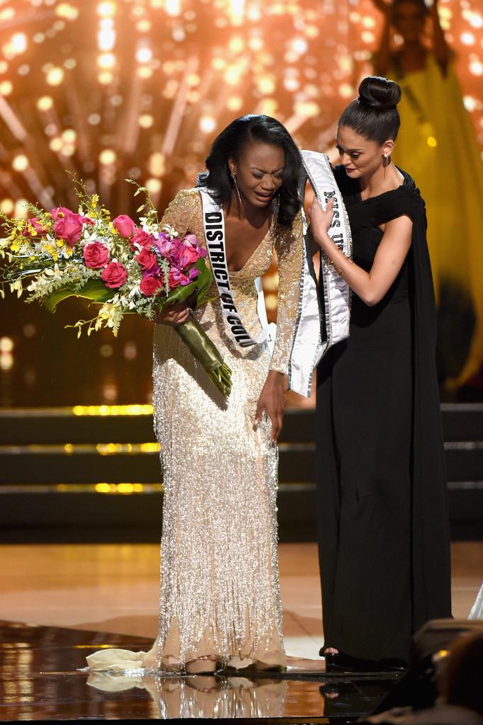 Miss Universe 2015 Pia Wurtzbach 2016 Miss USA pageant Gown Black ...