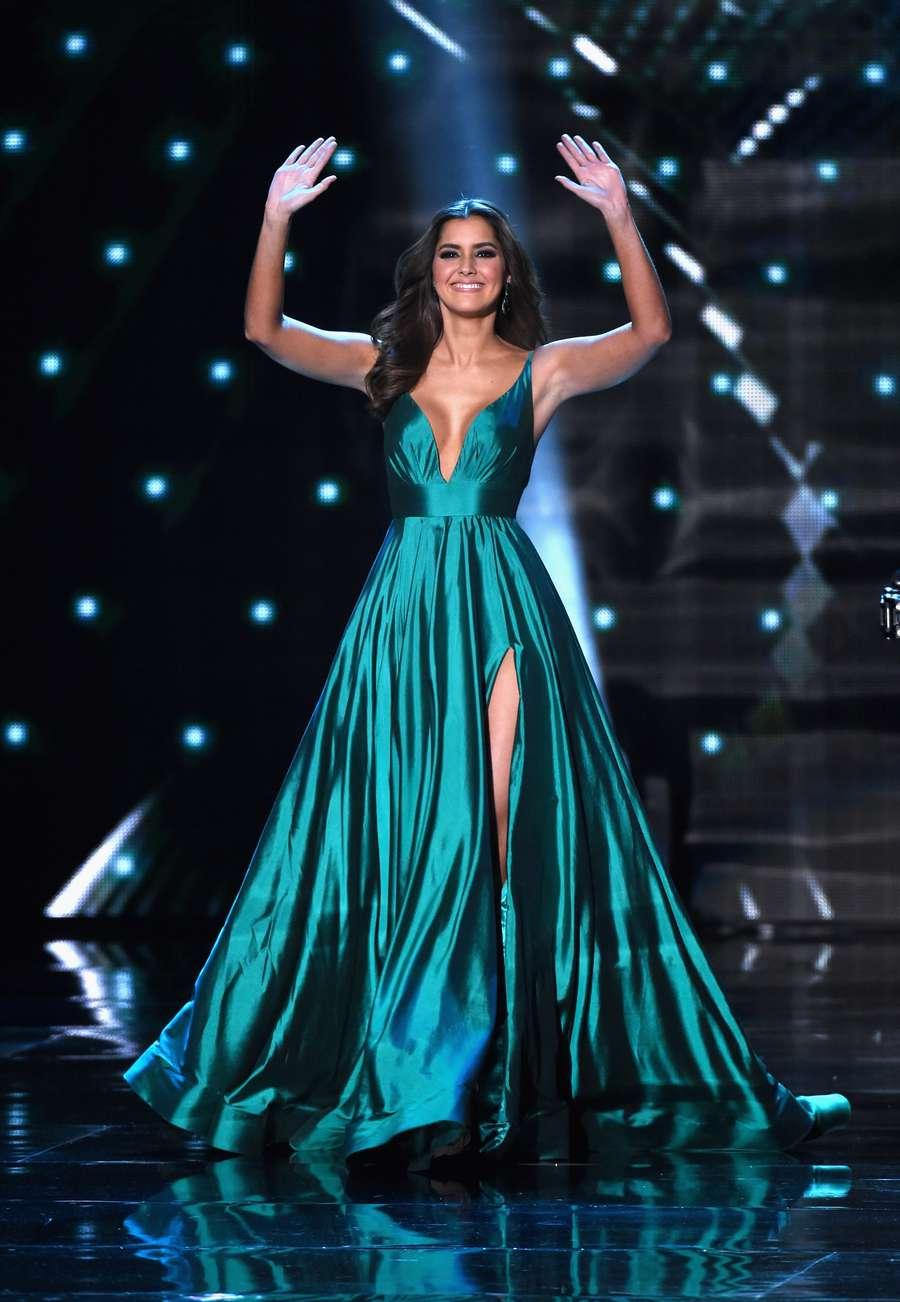 Paulina vega black dress miss universe 2018