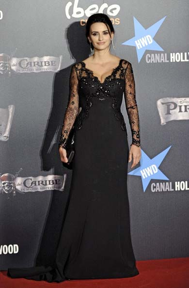 Celebrity Dresses Penelope Cruz Black Lace V Neck Prom