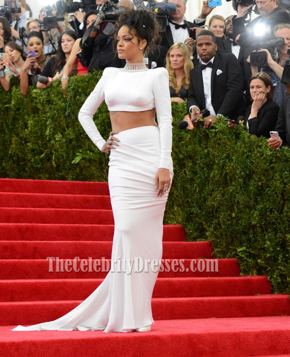 Rihanna dress for grammy 2019 celebrity