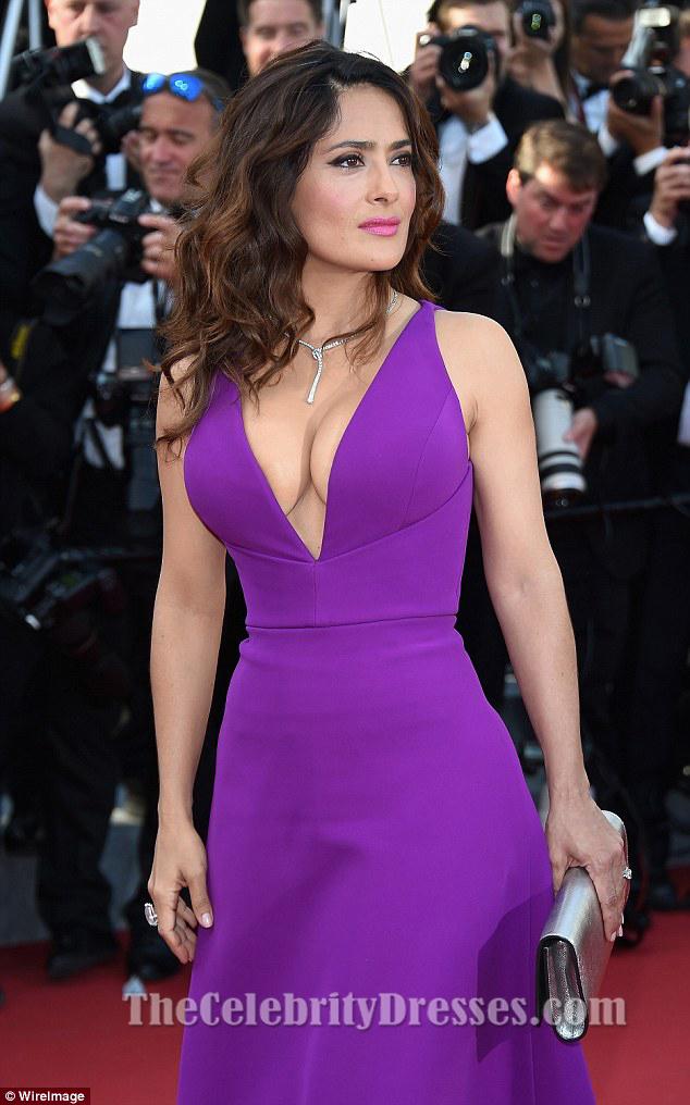 Salma Hayek tiefes V-Neck formales Kleid Premiere von \'Rocco und ...