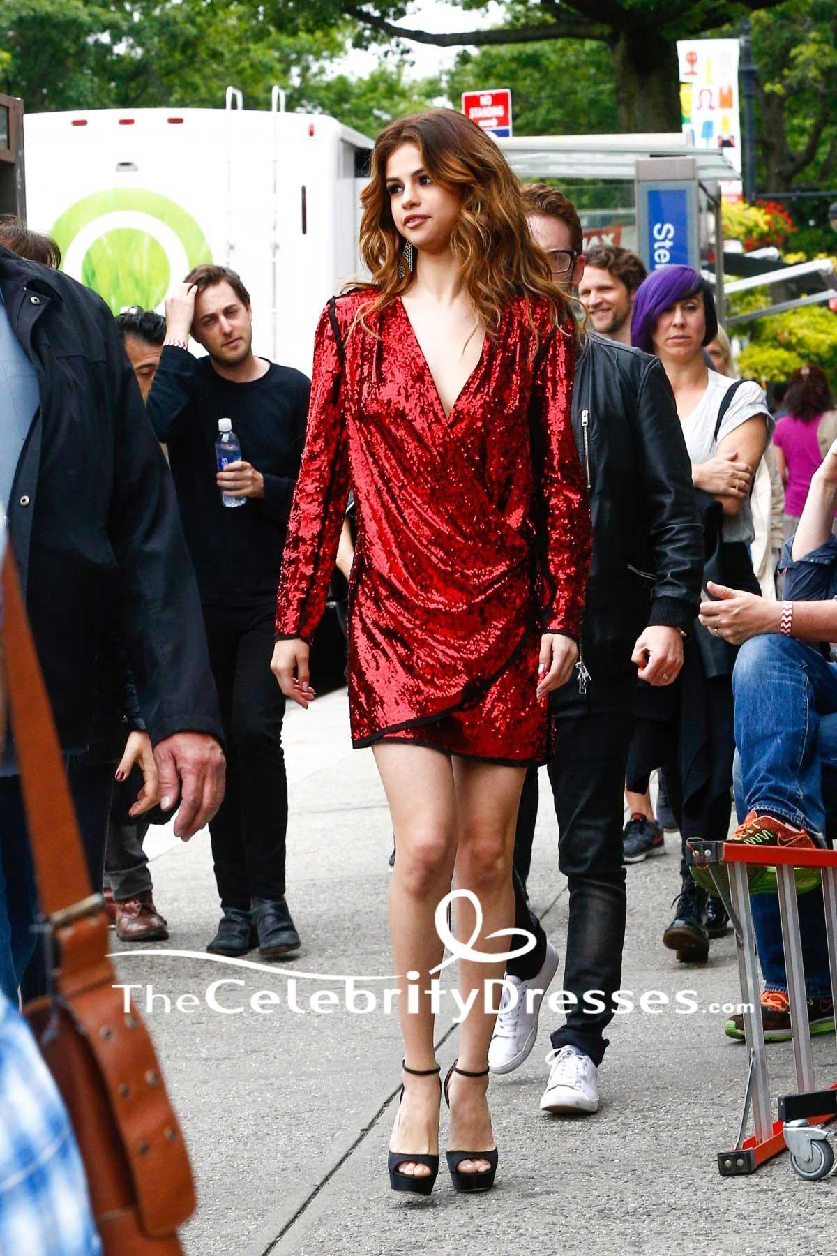 773896f49ce Selena Gomez Bourgogne Paillettes Wrap Robe de cocktail à manches longues  2016 New York - TheCelebrityDresses