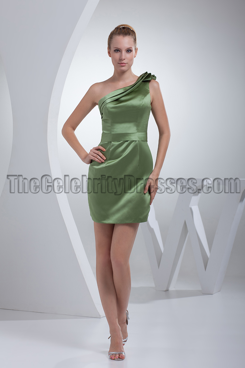 Buy new cheap green dresses on sale from AMIClubwear, find the newest cheap green dresses that are high quality in our new arrivals section. Looking for sexy green dresses for Women online, discover the hottest sexy green dresses for under $20 and get free shipping on orders over $
